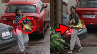 Kareena Kapoor Khan महंगे बैग के साथ हुआ घर के बाहर spot; Watch video    FilmiBeat