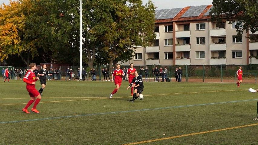 Der Ausgleich des FFC Renshausen bei Sparta Göttingen durch Julia Deppe