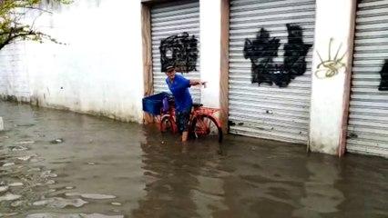 Chuva no ES: ruas alagadas em Cobilândia, Vila Velha