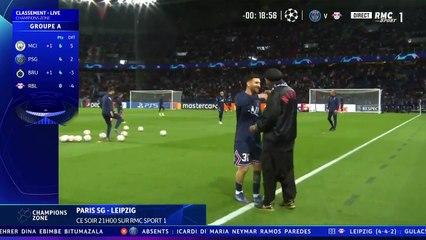 Le gros câlin de Messi et Ronaldinho avant PSG - Leipzig