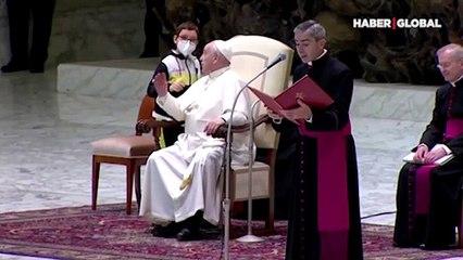 Bir anda sahneye fırladı! Papa Francis neye uğradığını şaşırdı