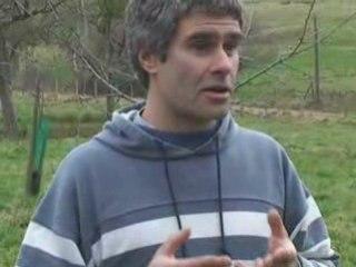 Christophe explique la taille des arbres fruitiers
