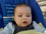 Antoine s'éclate et raconte sa vie, ok il a que 6 mois!
