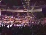 WWE hardcore chute spectaculaire