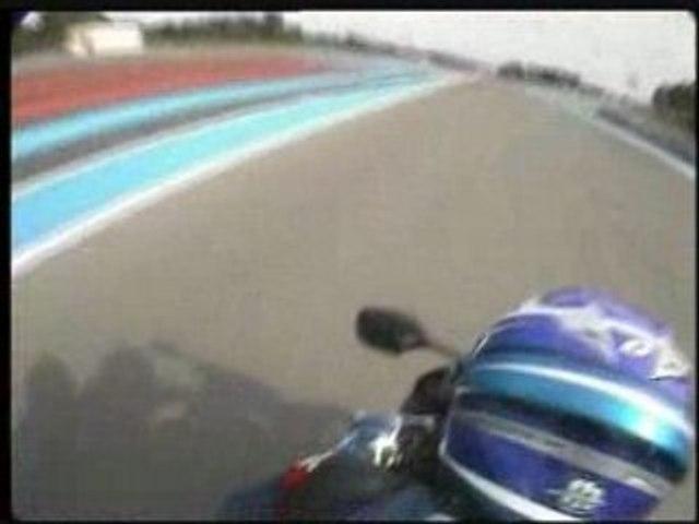 Derrière JMB sur une Honda CBR1000RR Full Power : Chaud !