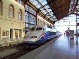 MARSEILLE .-LA GARE SAINT CHARLES -UN TGV QUI PART
