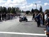 Faut le faire ça avec une moto :D