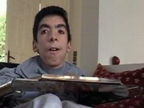 Omar:  Acceptez-vous mon handicap ?