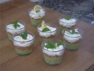 Verrines saumon-avocat-fromage