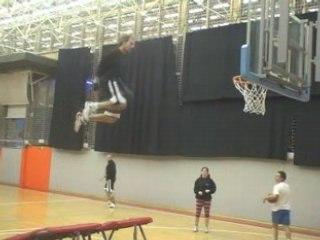 acrobate du basket