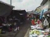 Un train dans un marché ou un marché dans un train...
