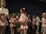 Vitoria dançando balé - 08.05.08