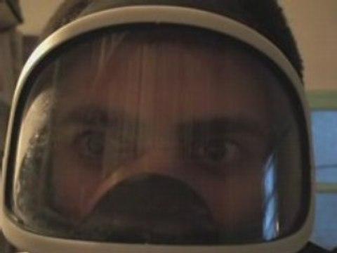 """Le masque """"a gaz"""" de paintball."""