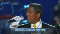Jermaine Jackson tearfully performs  Smile  at the memorial