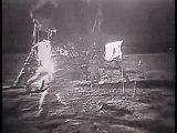 1969, l'uomo passeggia sulla Luna