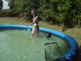 Azur dans la piscine !!!!!!