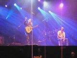 04 - Tryo - Serre moi Francofolies 2009