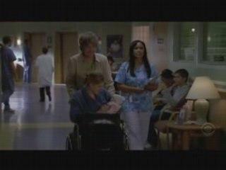 Extrait - Sam arrive à la maternité (VO)