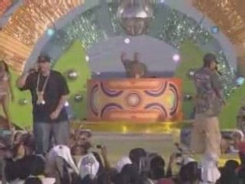 Fat Joe Ft J Holiday:I Wont Tell live at BetSpring2008