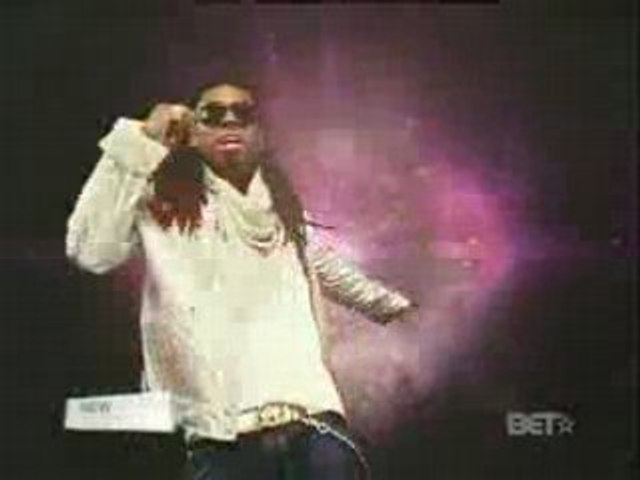 Lloyd - Girls Around The World (feat. Lil Wayne)