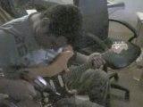 Franck joue de la guitare avec sa chignole (perceuse).