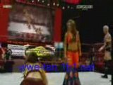 Mickie james vs katie lea (tag team match) raw 16 juin 2008