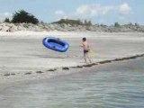le fils de Régis,à la plage..!
