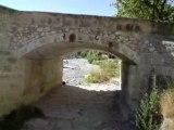 """Pont """"La Vaïre""""  passe en dessous Alpes de haute provence"""
