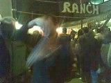 regis danse au bal des pompiers