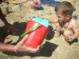 Nono fait des patés sans sable