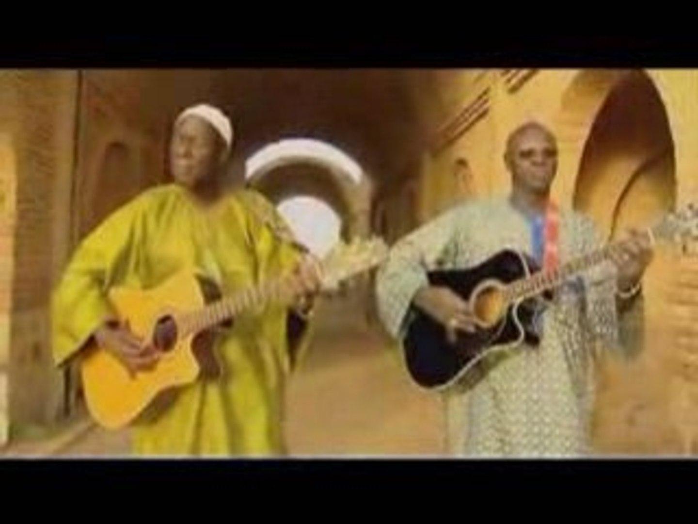Ali Farka Touré & Boubacar Traoré - Diarabi