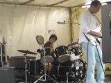 Electric Circus marché estival Jeune batteur