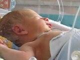Baptiste en couveuse le 25 Juin 2008