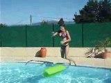 Mêlo dans la piscine
