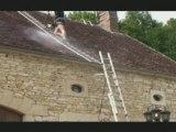 haute pression sur le toit avec notre échelle de toit