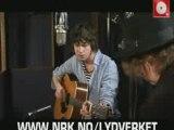 Ooh la acoustic Kooks