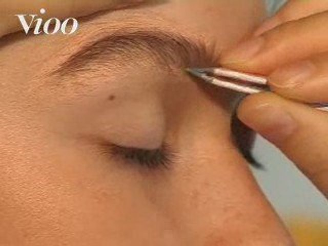 Tous les secrets d'une pro pour épiler vos sourcils !