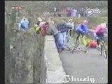 VIDEO DROLE chute en vélo cycliste