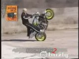 CRASH Moto, wheeling et chute