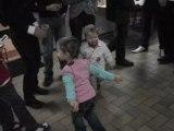 tim fait du breack-dance