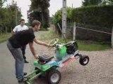 Wheeling solo en tracteur tondeuse