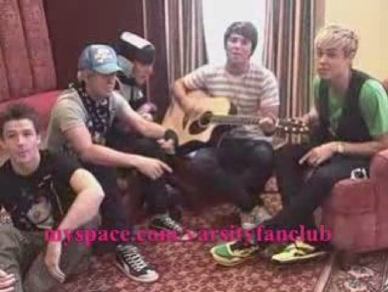 Varsity FanClub sings the debut single Future Love Acoustic