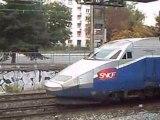 train TGV et train ter  à Lyon le 1.10.08