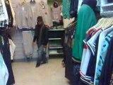 badman dans un magasin d'fringue