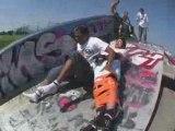 La planche de skate humaine