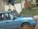 Régis se fait volé sa voiture