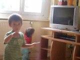 pharell 2 ans danse baby danse