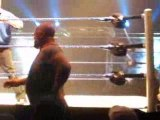Nice 2008 WWE undertaker et big show combat hors ring chaise