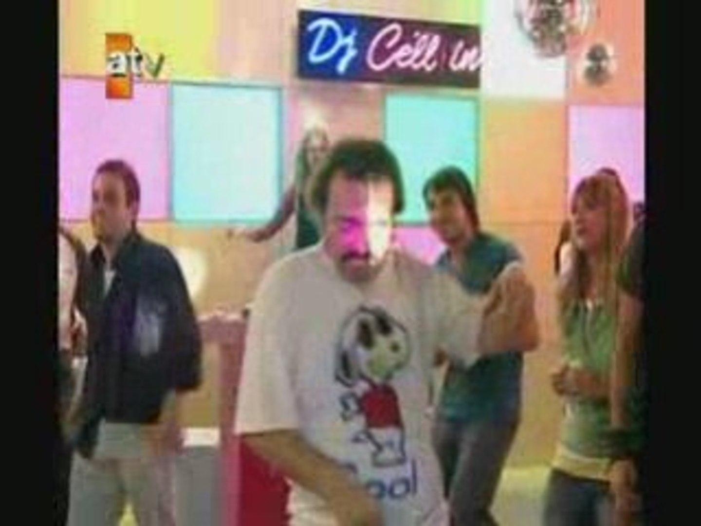 Burhan dans ediyor