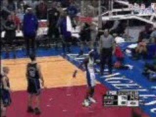 Basketball – NBA – dunk